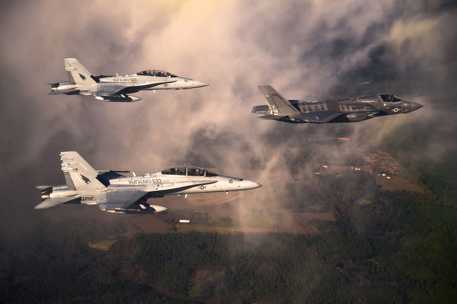 LOCKHEED-Jets Pentagon