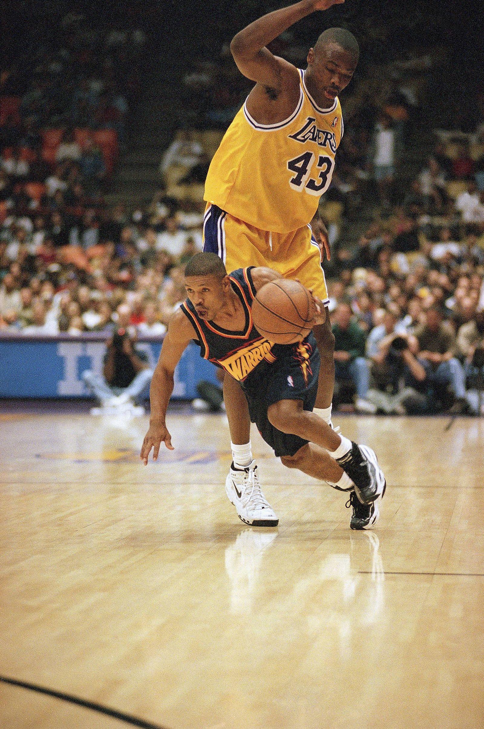 Basketball/ Muggsy Bogues