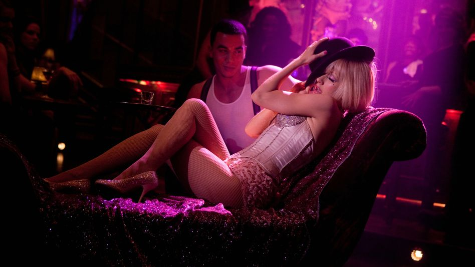 """Kinodesaster """"Burlesque"""": Zum Heulen, diese Brüste und Keulen"""