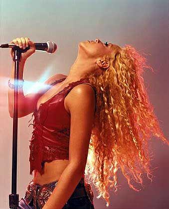 Shakira in Aktion: Kolumbianische Antwort auf Alanis Morissette