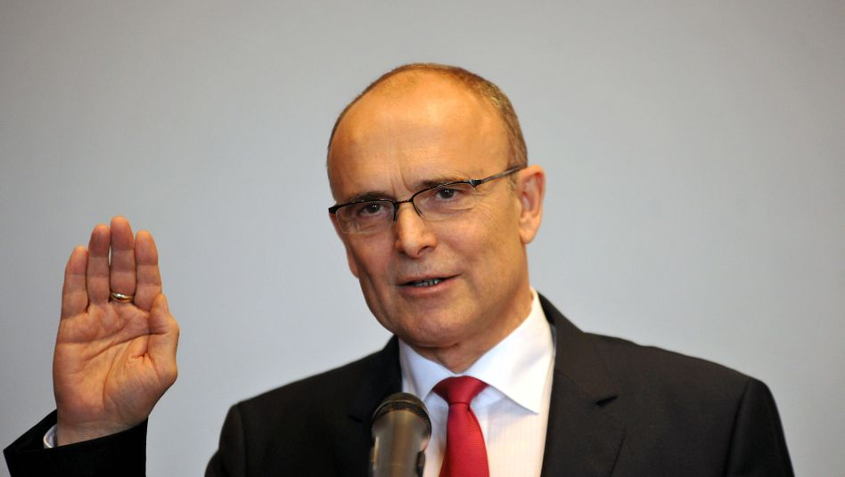 Erwin Sellering beim Amtseid: Regierungschef Nummer vier in Schwerin seit 1990