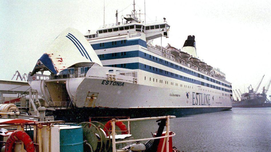 Archivbild der »Estonia«: Sonargeräte sollen eingesetzt werden