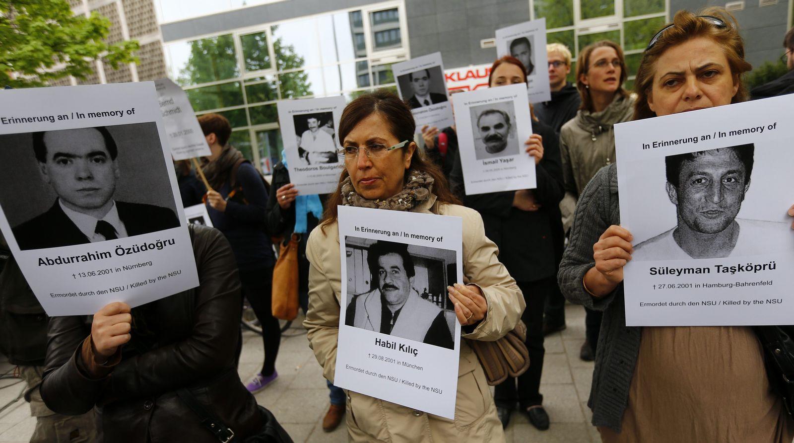ENGLISH_NSU trial protest
