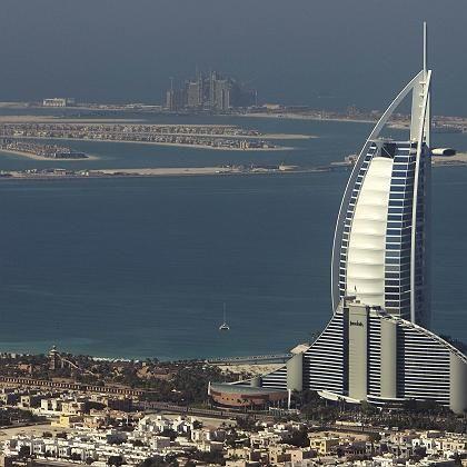 Blick auf das Burj Al Arab Hotel und die Palmeninsel Jumeirah: Dubai-Touristen werden immer wieder als vermeintliche Drogenschmuggler verhaftet