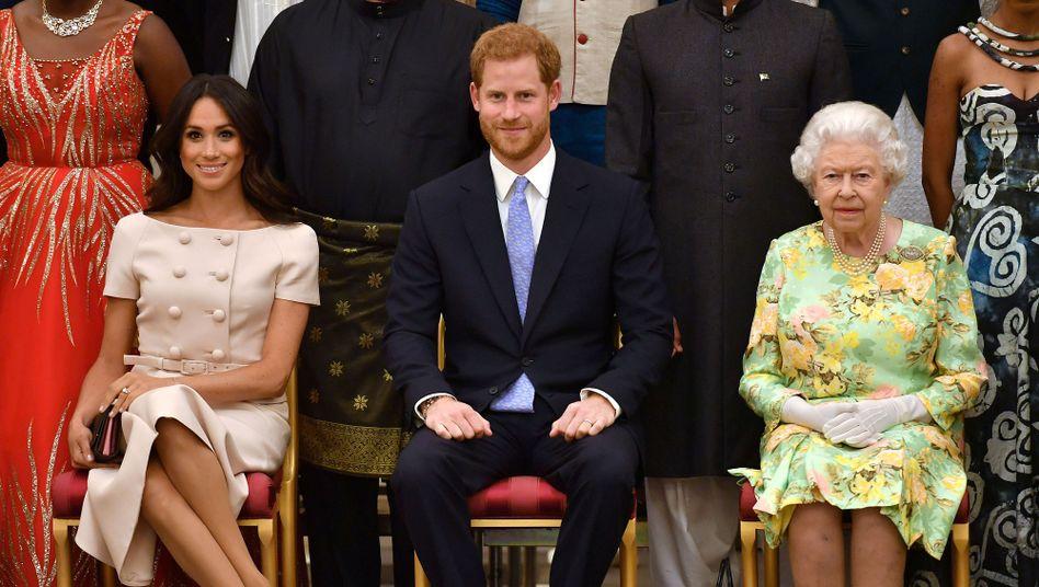 """Netflix-Serie: Hat die Queen zu viel """"The Crown"""" geguckt?"""