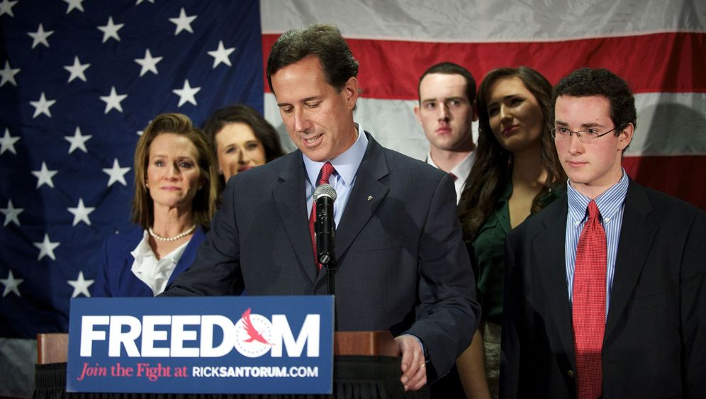 Photo Gallery: The End of the Line for Santorum