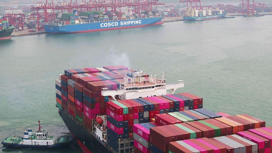 Hafen in Qingdao, China: Lieferanten verursachen fünf Mal so hohe Emissionen wie die Konzerne