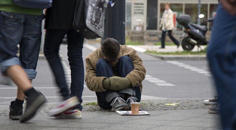 Obdachloser: Wer weniger verdient als 801 Euro, gilt als armutsgefährdet