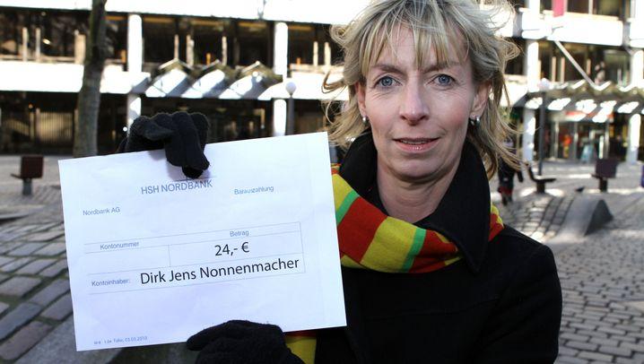 "Aktivistin fordert: ""Geld zurück, Herr Nonnenmacher"""