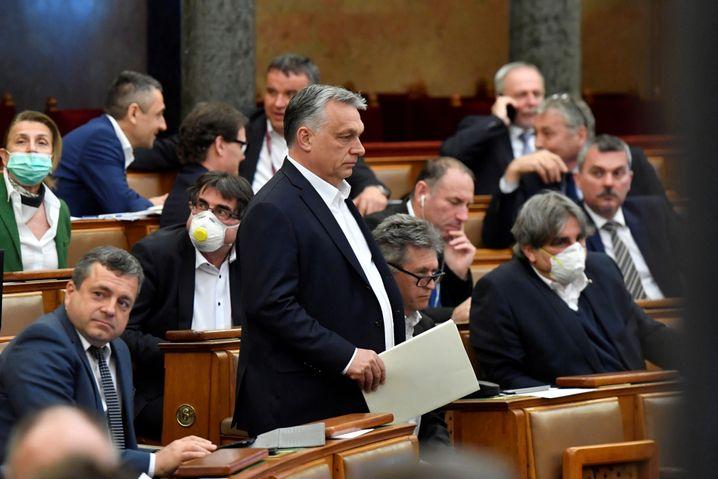 Regierungschef Orbán in Ungarns Parlament, März 2020