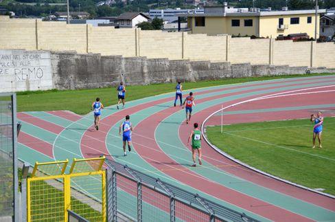 Rückwärtslauf-WM 2014: Im Stadion droht kein Wurzel-Stolperer