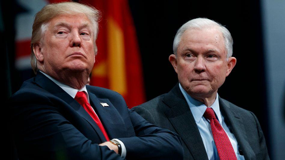 Waren mal US-Präsident sowie Leiter des Justizministeriums: Donald Trump und Jeff Sessions