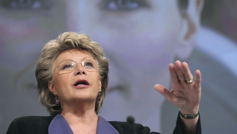 Closing the gender gap: European Commissioner for Justice Viviane Reding is calling for at least 40 percent of all non-executive board seats in Europe to be filled by women.
