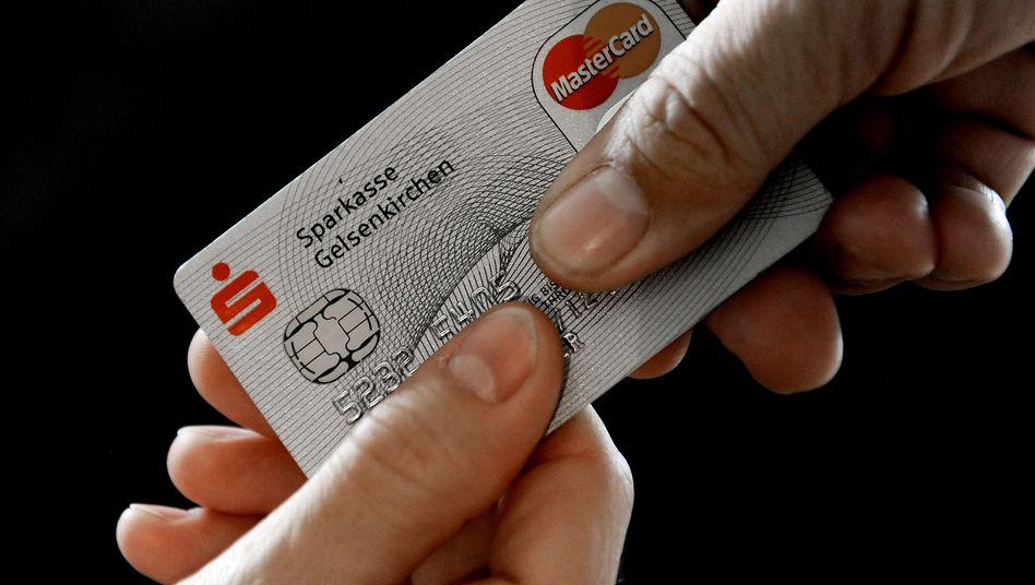 Mastercard: Einzelhändler wollen Einnahmeverluste ersetzt haben