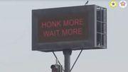 Ampel bleibt rot, wenn Autofahrer zu viel hupen