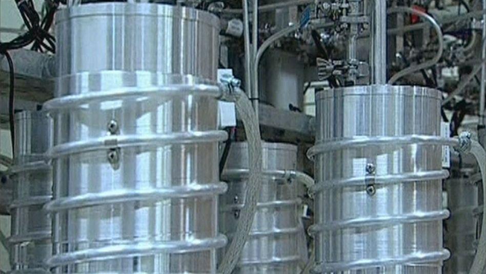 Zentrifugen zur Urananreicherung auf Bildern des iranischen Staatsfernsehens (2012)