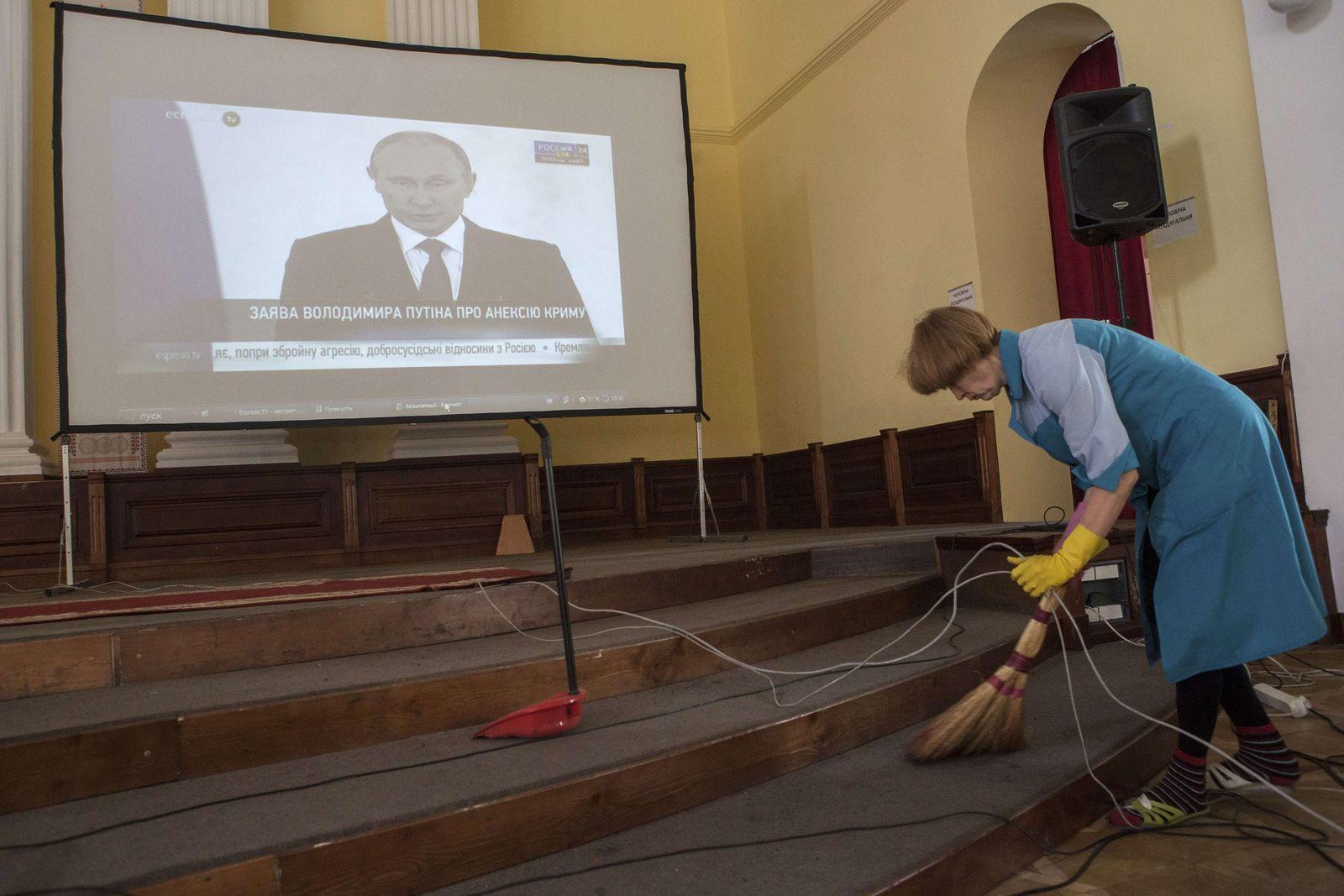Ukraine Putin TV