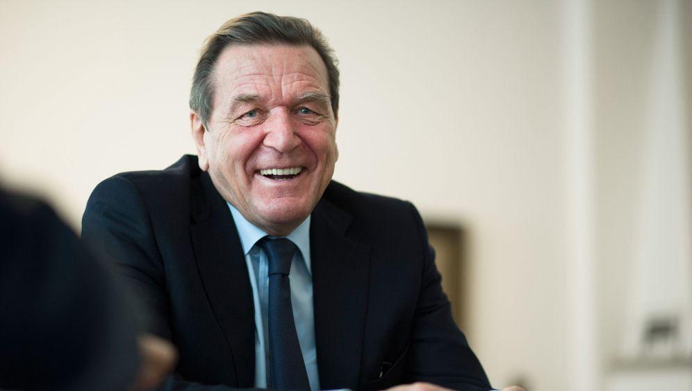 Vom Juso-Chef zum Ex-Kanzler: Gerhard Schröder - Stationen einer Karriere