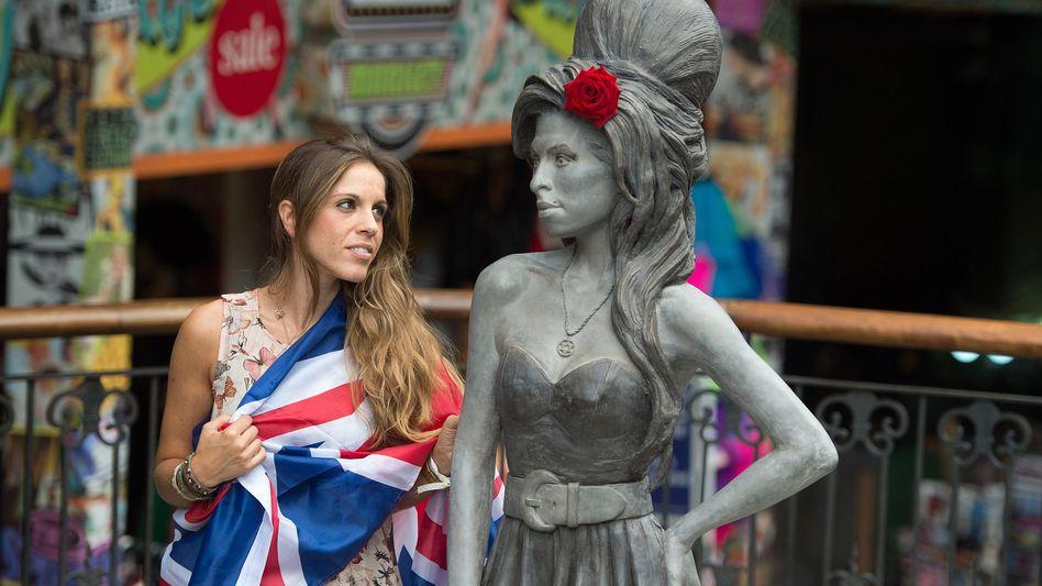 Statue in London: Ein Denkmal für Amy Winehouse