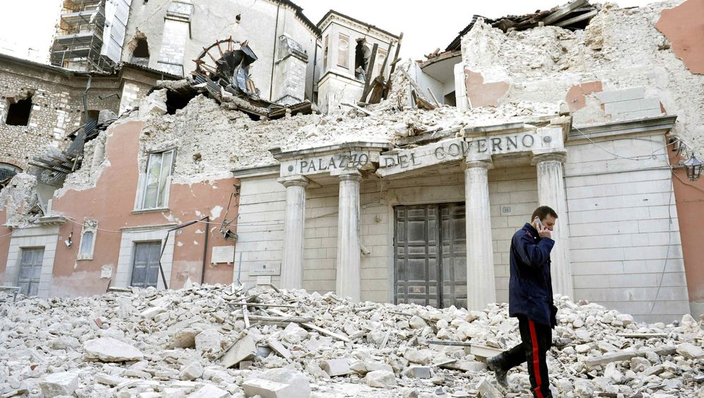 Photo Gallery: Disaster in L'Aquila