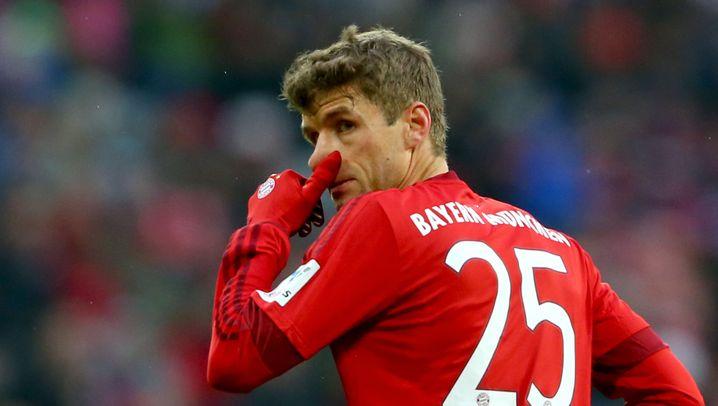 Bundesliga: Rot für Meier, Tore für Huub