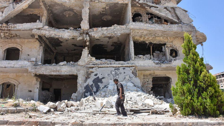 Zerstörtes Gebäude in al-Zahraa nordwestlich von Aleppo