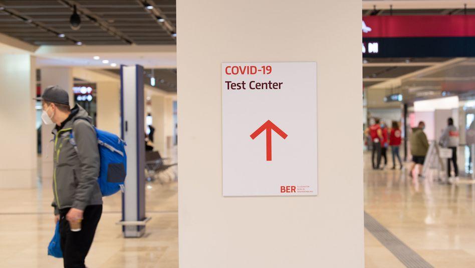 Corona-Testzentrum auf dem Berliner Flughafen BER: Sorge vor der neuen Virusmutante