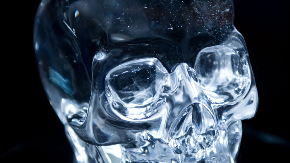 A modern crystal skull goes on display in Mannheim to highlight a secretive tradition of German stonecutting.