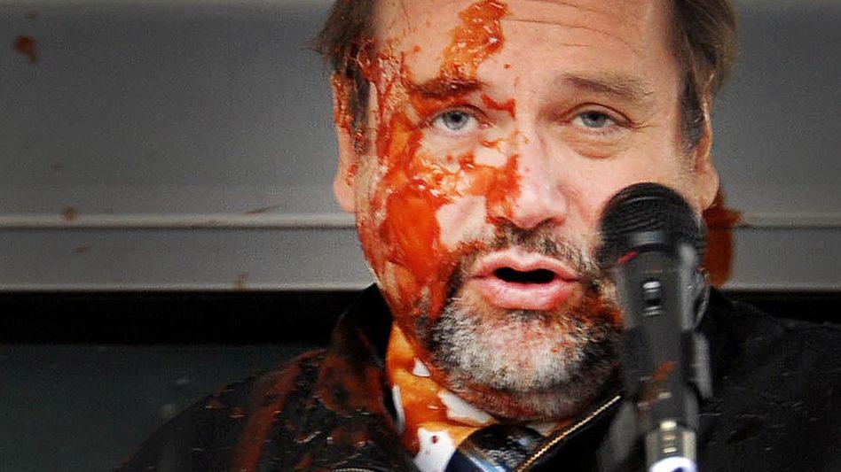 """Sauerland nach Ketchup-Attacke (Oktober 2010): """"Keine Angst vor Bevölkerung"""""""
