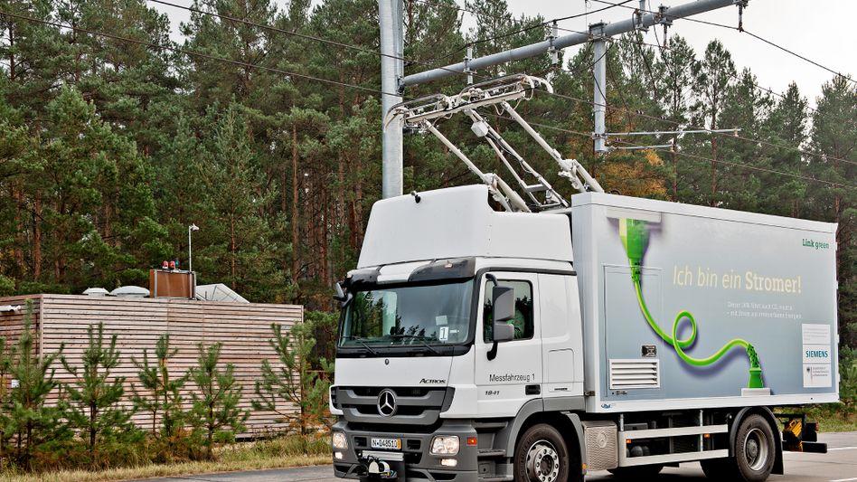 Siemens eHighway: Der Zulieferer testet das Oberleitungssystem bei Berlin