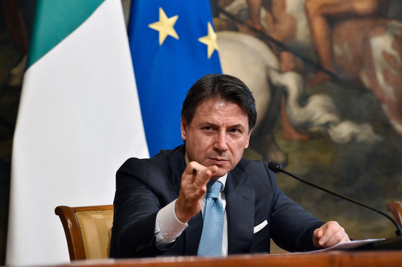 News Themen der Woche KW28 News Bilder des Tages (200707) -- ROME, July 7, 2020 (Xinhua) -- Italian Prime Minister Gius