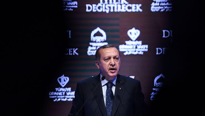 """Türkei gegen Niederlande: """"Bananenrepublik"""", """"Tyrannei"""", """"Hauptstadt des Faschismus"""""""