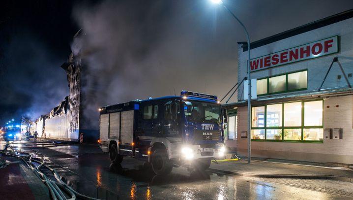 Geflügelproduzent: Großbrand bei Wiesenhof