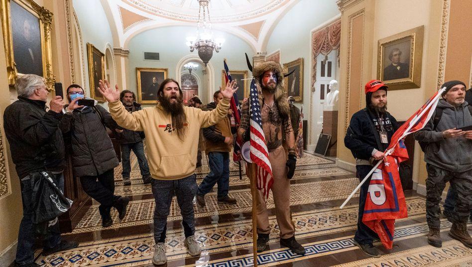 Demonstranten im Kapitol: Im Netz offen und enthemmt geplant