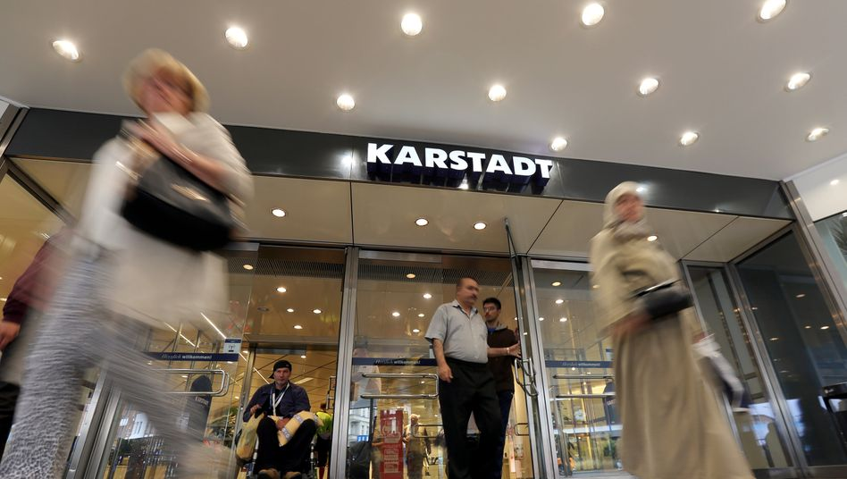Soll nun doch erhalten bleiben: Karstadt-Filiale im Berliner Wedding