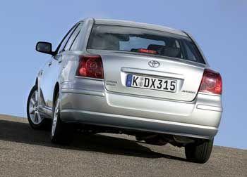 Hohe Laufruhe beim niedertourigem Fahren: Toyota Avensis D-CAT