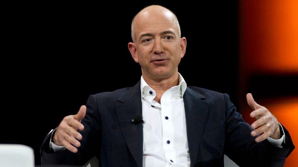 Amazon-Chef Jeff Bezos: Mitarbeiter sehen seine Spende kritisch