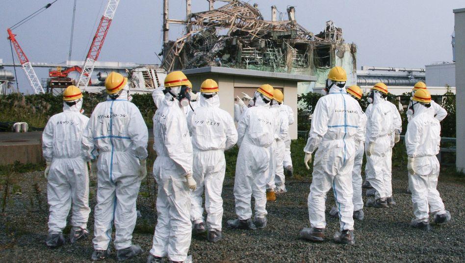 Experten der IAEA begutachten die AKW-Ruine Fukushima: Radioaktives Desaster