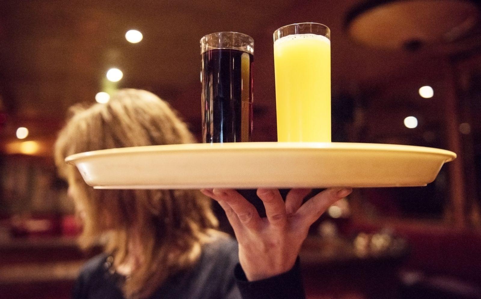 Mindestlohn / Bedienung / Gastronomie / Kellner / Kellnerin