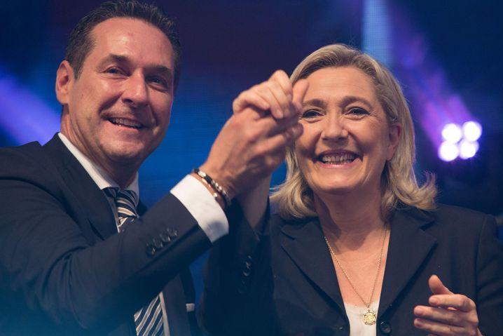 Rechtspopulisten Strache (l.) und Le Pen