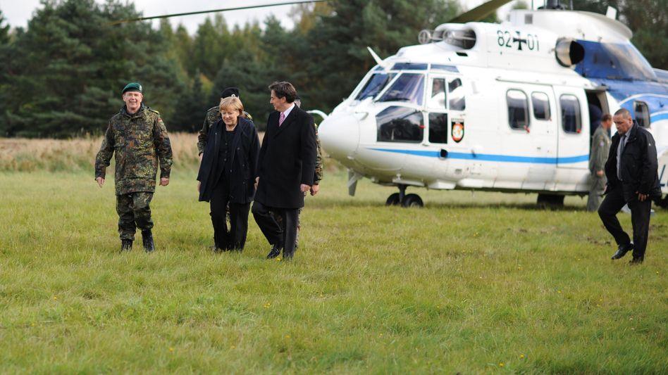 """Kanzlerin Merkel, """"Cougar""""-Hubschrauber"""