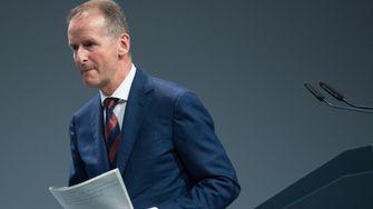 So knapp entging VW-Chef Diess dem Rauswurf