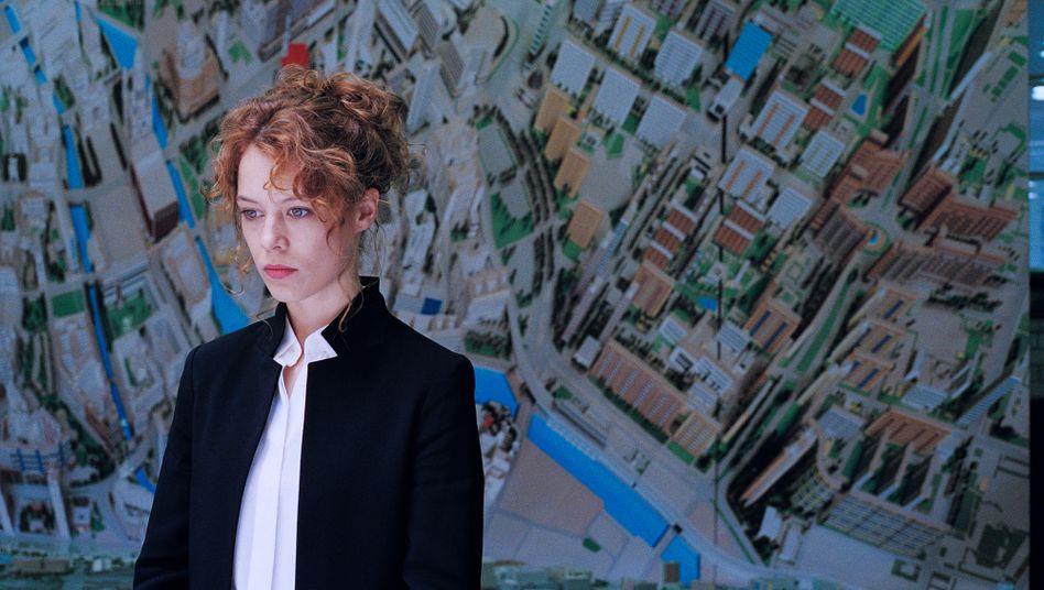 "Paula Beer als ""Undine"" in Christian Petzolds gleichnamigem Film"
