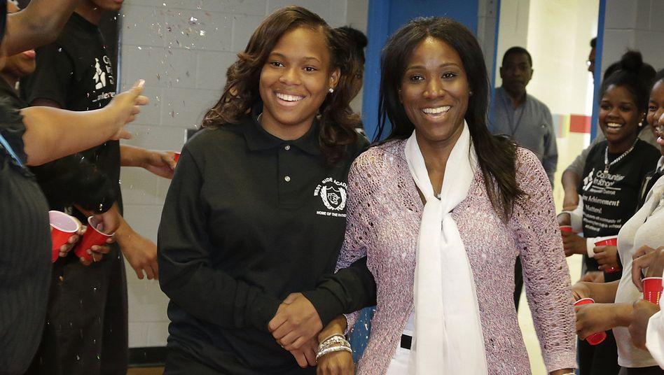 Wiedervereint: A'Ja Booth (links) und ihre Lehrerin Nadirah Muhammad