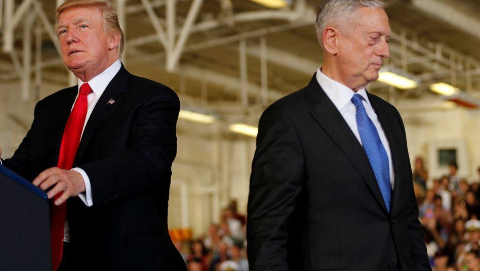Donald Trump (l.), James Mattis (r.)