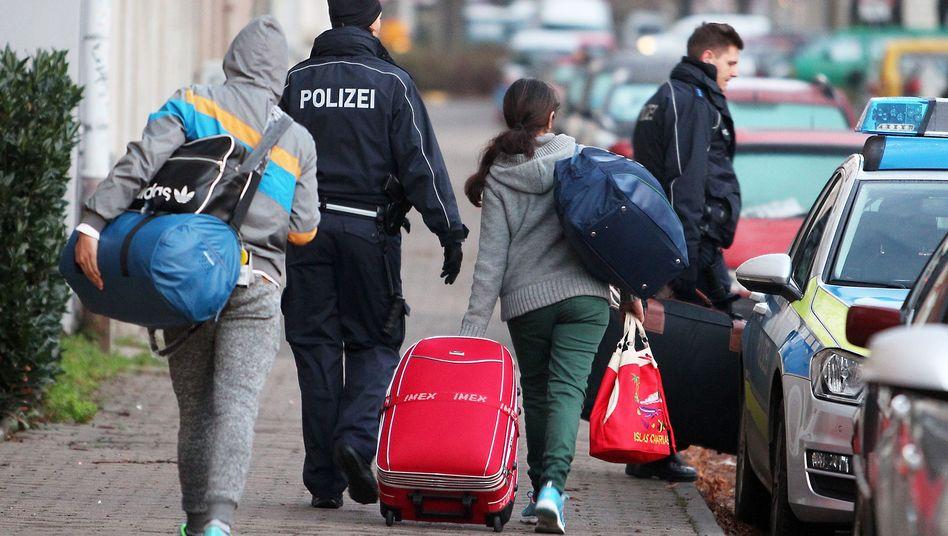 """Abgelehnte Asylbewerber in Leipzig (Archiv): """"Abbau praktischer Vollzugshindernisse"""""""