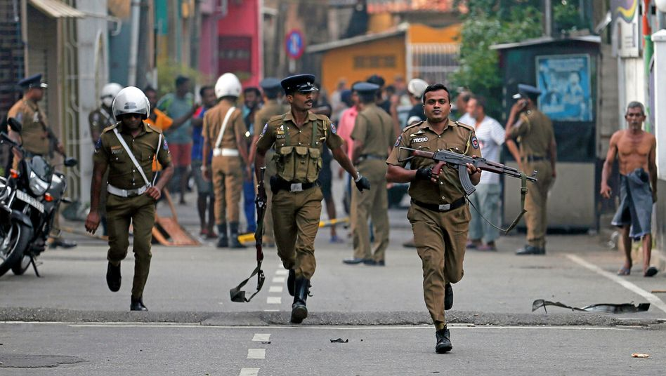 Sicherheitskräfte an einem der Anschlagsziele auf Sri Lanka