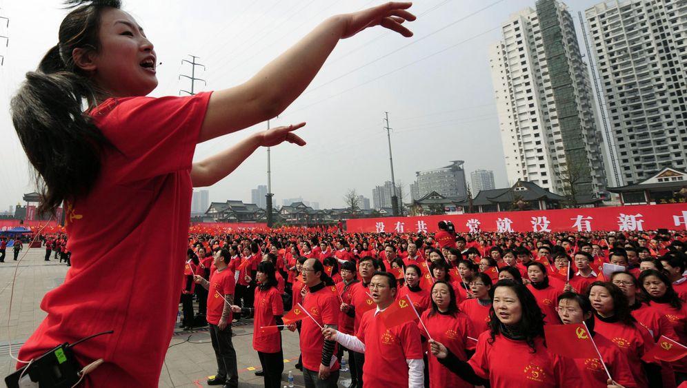Photo Gallery: Communist Karaoke