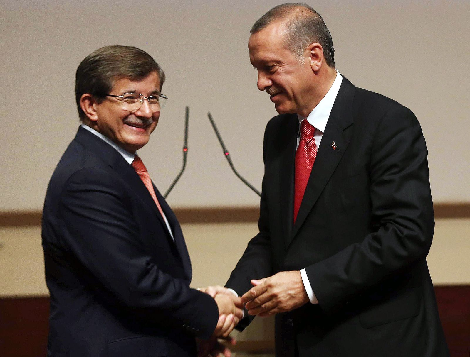 TURKEY-POLITICS-ERDOGAN-DAVUTOGLU