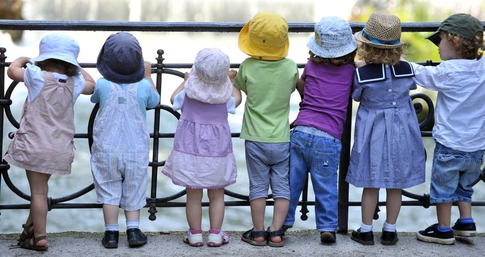 Kinder in München: Ab wann beugen sich die Kleinen dem Gruppendruck?